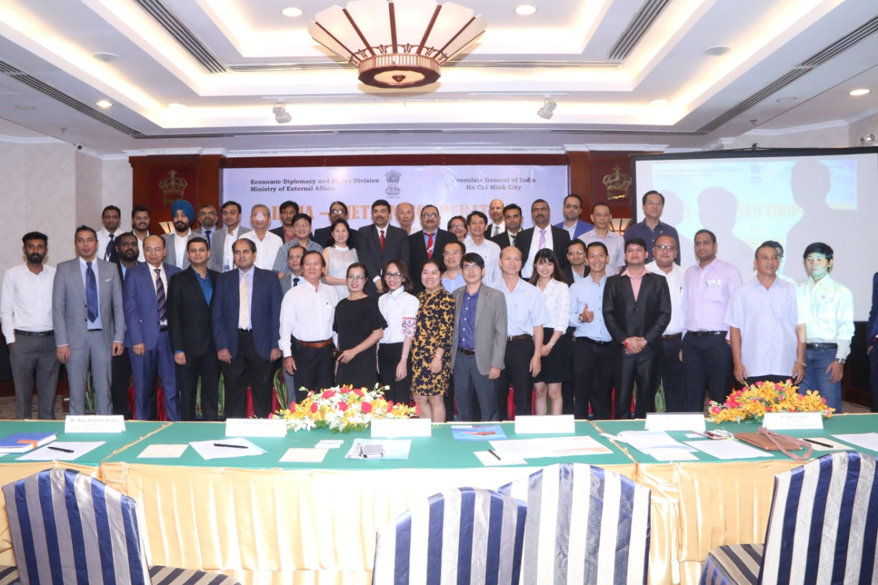 4 Group Photo dignitaries & Indian, VN companies